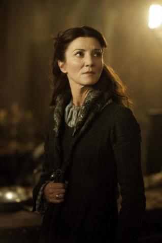 game-of-thrones-rains-of-castamere-michelle-fairley-399x600 (1)